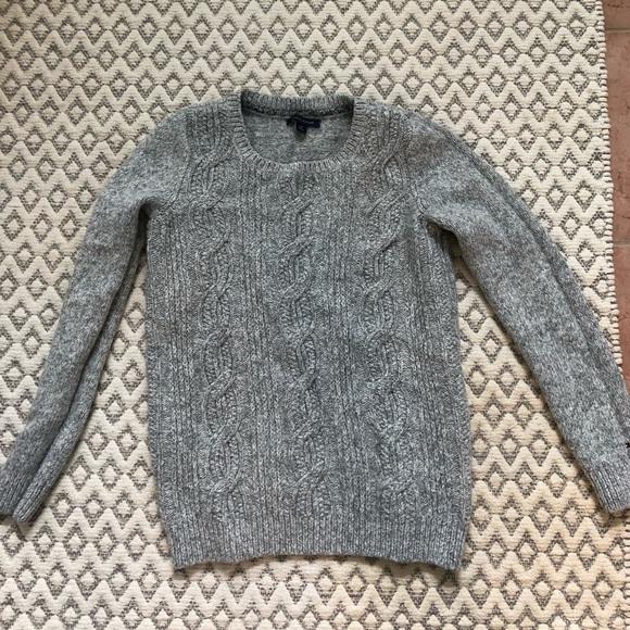 Tommy Hilfiger grey knit sweater